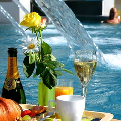 Champagnerfruehstueck Leukerbad Therme